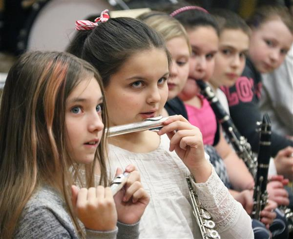 Palermo Elementary 4th graders show off music talents, life skills
